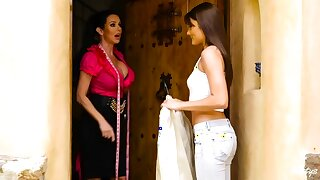 Adria Rae & Veronica Avluv there Plead for Predestined With respect to - MomKnowsBest
